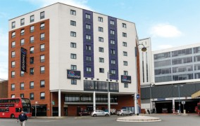 Travelodge, Bakers Road, Uxbridge